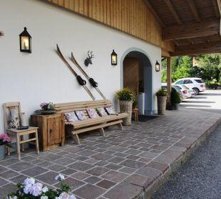 Sehr schöner Eingangsbereich Hotel Almhof