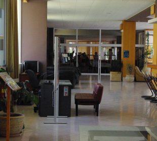 Widok na wejście do restauracji Hotel Princess Flora