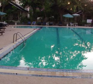 Pool am Bungalow Hotel Pattaya Garden