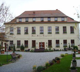 Vorderansicht mit Hoteleingang Ringhotel Schloss Tangermünde