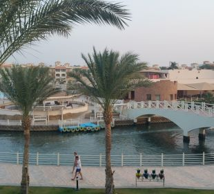 Pool, Gastronomie ,Schiffsanleger fürs Taxi Boot Dana Beach Resort