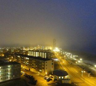 Ausblick bei Nacht & Nebel Center Parcs Park Zandvoort Strandhotel