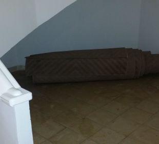 Gammelteppich vom Flur Hotel El Mouradi Palm Marina