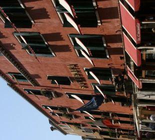 Fassade des Hotels Hotel Saturnia