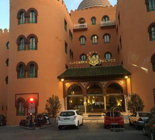 Ansicht von außen Hotel Alhambra Palace