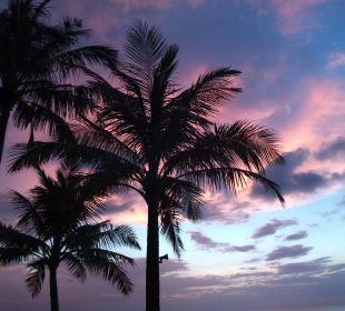 Typischer Sonnenuntergang Hotel Chong Fah Beach Resort