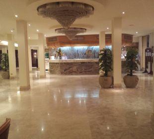 Lobby und Eingang The Grand Hotel