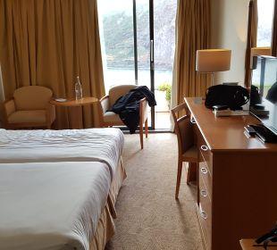 Zimmer Caloura Hotel Resort
