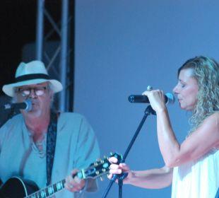 Abendprogramm  COOEE Cala Llenya Resort Ibiza