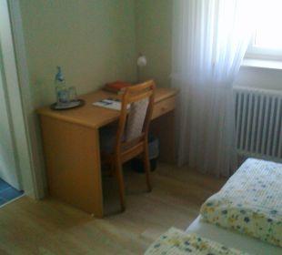 Doppelzimmer - Schreibtisch Kloster Maria Hilf
