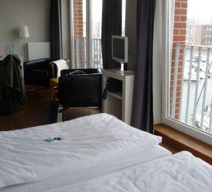 Zimmer mit Aussicht auf den Hafen im-jaich boardinghouse bremerhaven