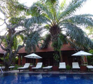 Ausschnitt vom Pool Hotel Griya Santrian