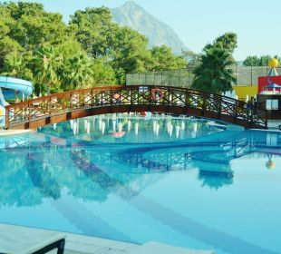 Swimming pool Eldar Resort