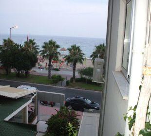 Seitlicher Meerblick vom Balkon Hotel Kleopatra Celine