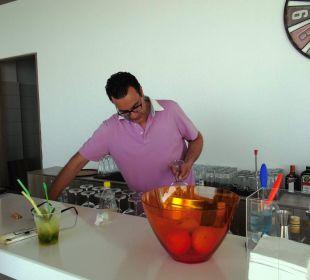 Schnellster Bar-Man am Pool Hotel Golden Beach
