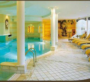 Pool-Anlage Romantik Hotel Die Krone von Lech