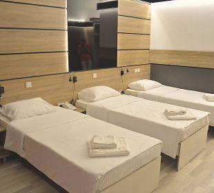 Suerior Triple Room Hotel De KOKA