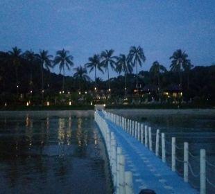 Blick auf die Anlage vom Badesteg Hotel Mai Samui Beach Resort & Spa