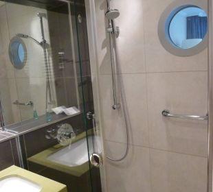 Das moderne Bad mit Dusche Hotel Neptun