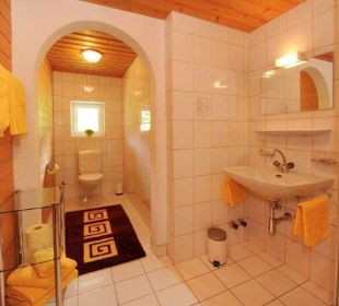 Badezimmer Dachwohnung Appartements Kraft Christian