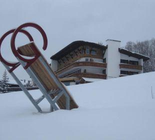 Auf zum Schlittenfahren Berghotel Tirol