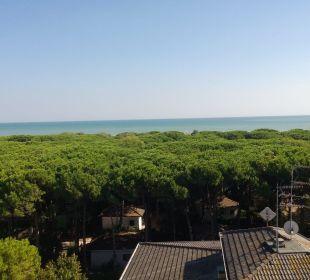 Ausblick vom Dach des Pools Hotel Eraclea Palace