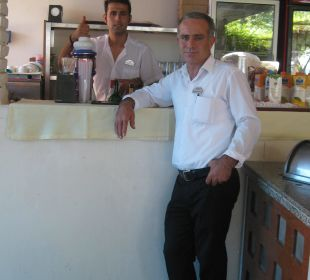 Chef Ömer und Hasan Stets freundlich und zuvorkomm Hotel Narcia Resort Side