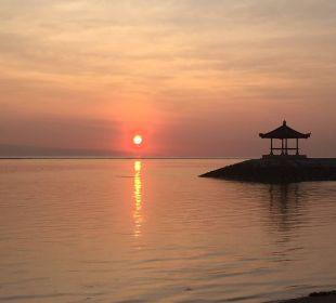 Sonnenaufgang  Hotel Griya Santrian