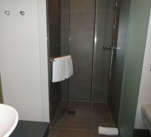 Badezimmer unseres Doppelzimmers  Innside Dresden