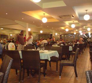 Sitzgelegenheiten beim Büffet Hotel Royal Belvedere