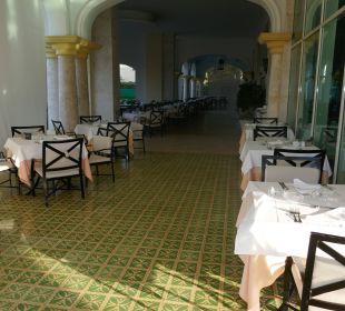 Frühstücksbereich außen IBEROSTAR Grand Hotel Bávaro