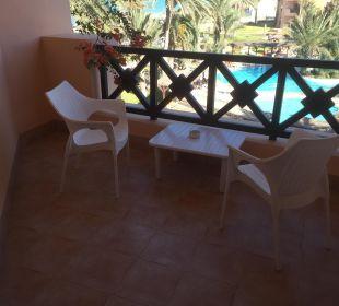 Netter, sauberer Balkon Hotel Safira Palms