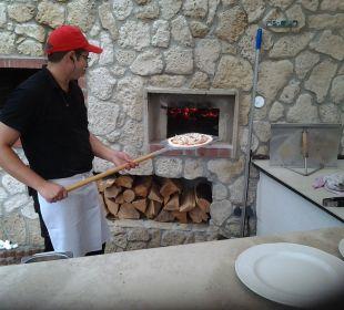 Pizza aus dem Holzofen Hotel Kärntnerhof