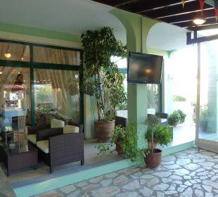 Sitzbereich Hotel Robolla Beach