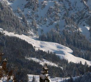 "Ausblick Balkon  Älple und ""Porta Alpinae"" Berghotel Tirol"