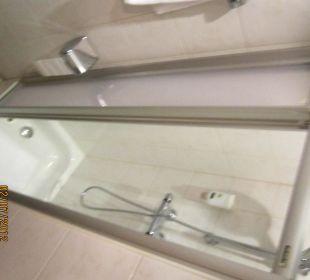 Badezimmer, die Dusche Hotel Capricorno