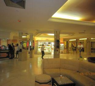 Lobby Bar Royal Lido Resort & Spa