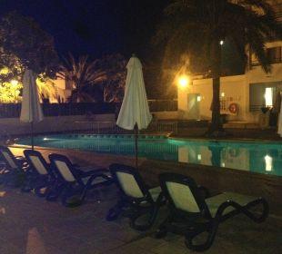 Pool by night  Hotel Ola Club Cecilia