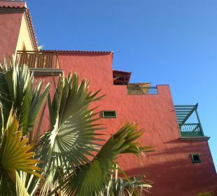 Eines der Gebäude Lopesan Villa del Conde Resort & Spa