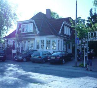 Gebäude mit Rezeption und Essensraum Hotel Im Schwedischen Hof