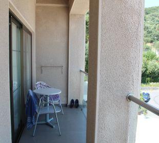 Der schmale Balkon MarBella Corfu Hotel