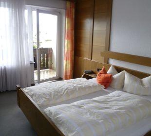 Zimmer Richtung Balkon Gästehaus Sanssouci
