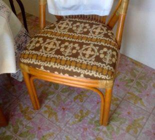 Stuhl mit rosa Fliesen Silence & Schlosshotel Mirabell