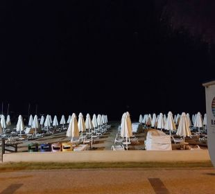 Nachts am Strand Barut Arum
