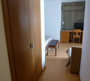 Zimmer 209, links Schrank Nr. 2 lti fashion Garbi