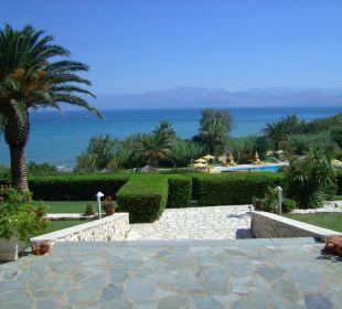 Blick vom Hotel übers Meer nach Albanien