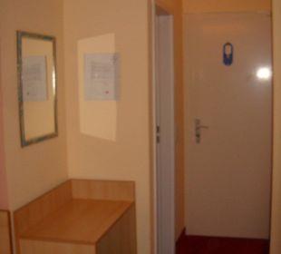 Zimmer - Eingang Comfort Garni Hotel