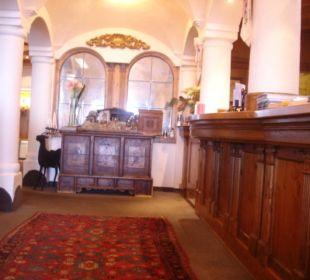 Eingang - Rezepcion Hotel Bellevue & Austria