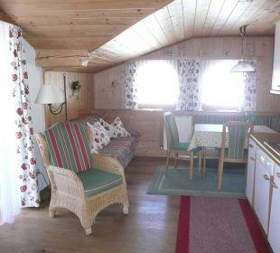 Großes Wohnzimmer mit Küchenzeile Haus Elisabeth