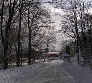 Hotelzufahrt im Winter AKZENT Berghotel Rosstrappe